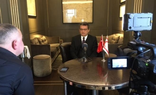Erhürman, Anadolu Ajansı ve Amerika'nın Sesi'ne röportaj verdi