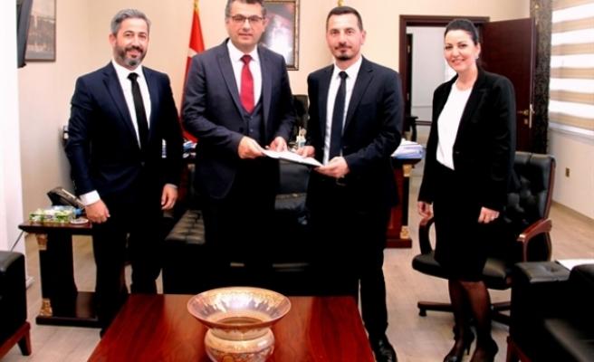 Erhürman, Barolar Birliği'ni kabul etti