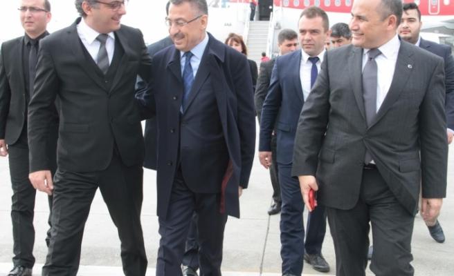 Erhürman, TC Cumhurbaşkanı Yardımcısı Fuat Oktay'ı Karşıladı
