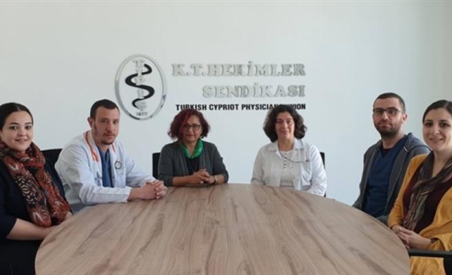 Evrensel Hasta Hakları Derneği yetkilileri TIP-İŞ'i ziyaret etti