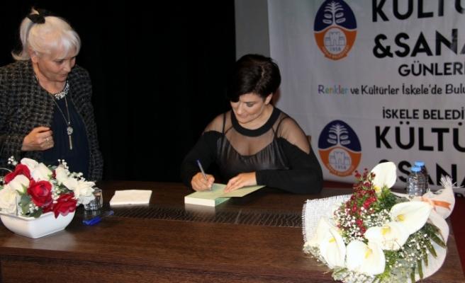İcla Aydın, İskele AKM'de kadınlarla bir araya geldi.