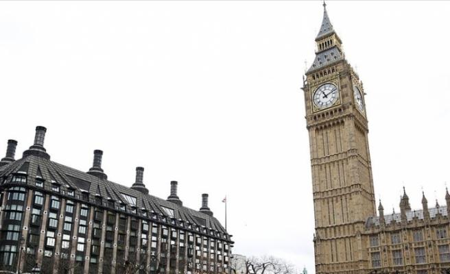 İngiltere'de istifa eden milletvekilleri yeni parti kuruyor