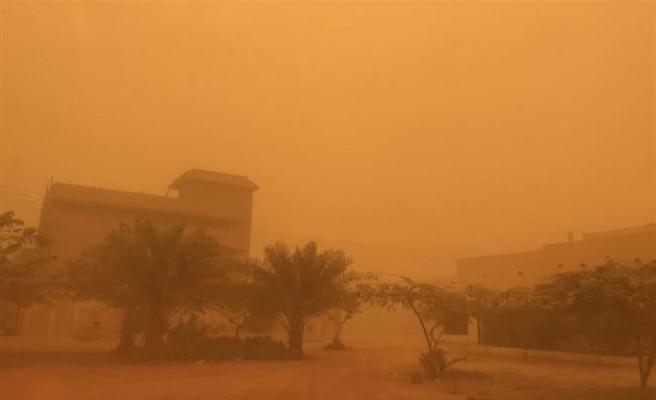 İran'da kum fırtınası toz miktarını 25 Kat arttırdı