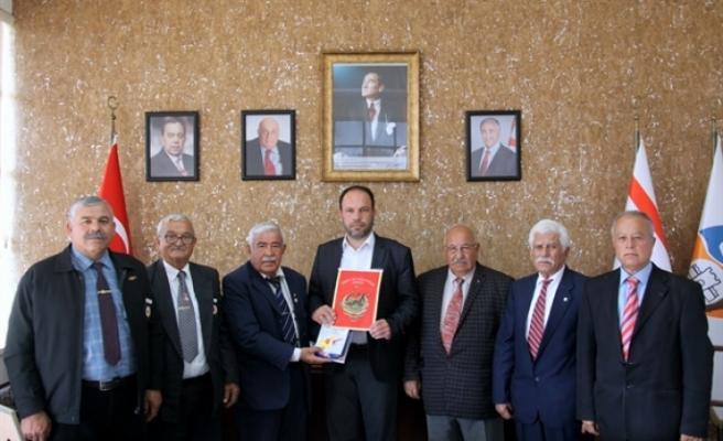 Kıbrıs TMT Mücahitler Derneği İskele Şubesi, Sadıkoğlu'na  ziyarette bulundu