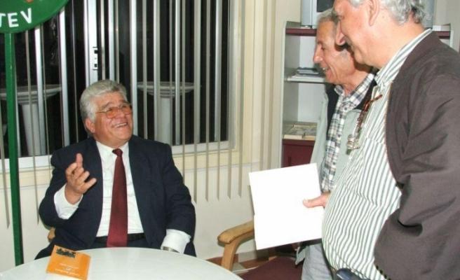 Kıbrıs Türk Edebiyatı'nın 500 yıla yaklaşan tarihi ilk kez yazılıyor