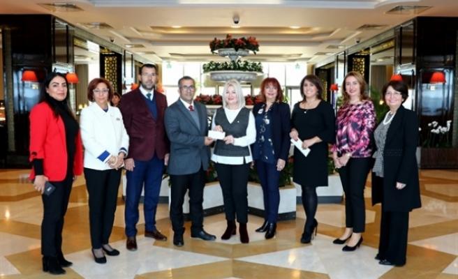 Lefkoşa Başkent Lions Kulübü'nden Alsancak İlkokulu'na bağış