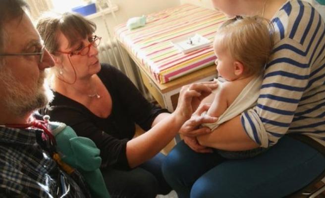 """""""Özellikle çocukluk çağı aşılarının zorunlu hale getirilmesi gerekiyor."""""""