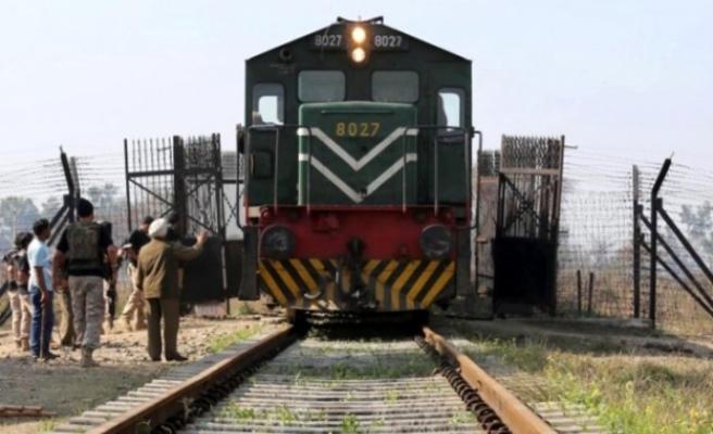 Pakistan-Hindistan arasında tren seferleri yeniden başlıyor