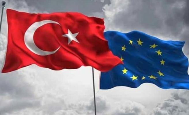 Türkiye'nin katılım sürecinin ertelenmesi Rum basınında