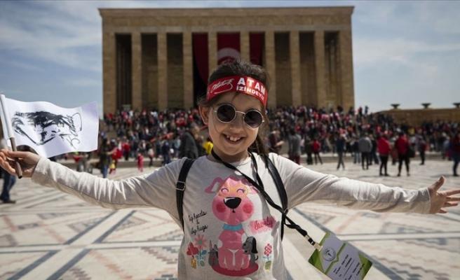 23 Nisan tüm Türkiye'de coşkuyla kutlandı