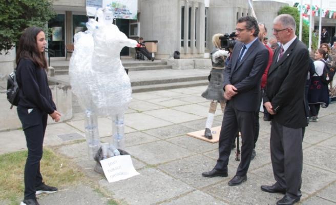 """Başbakan, """"Atık Malzemelerden Heykel Yarışması"""" etkinliğine katıldı"""