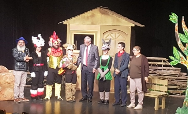 """""""Bremen Mızıkacıları'nın Zaferi"""" oyunu,  """"1. Çocuk Tiyatroları Festivali""""nde sahnelendi"""