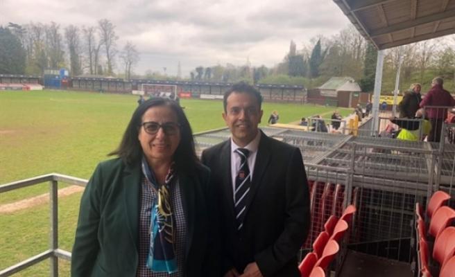 Büyükelçi Tuncalı Cambridge city futbol kulübü yönetim kurulu üyesi Mimoğlu 'nu ziyaret etti