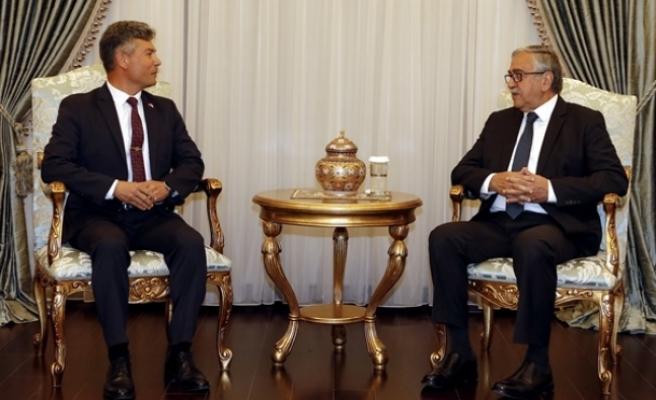 Cumhurbaşkanı Akıncı, Sivil Savunma Teşkilat Başkanı Necmi Karakoç'u kabul etti