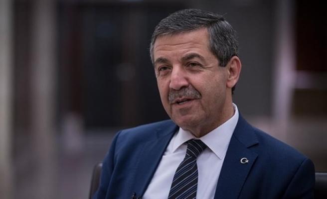 """Ertuğruloğlu, """"Kıbrıs milleti"""" kavramının coğrafya ve kültürel bir tanımlamadan öteye gidememeyecğini söyledi."""