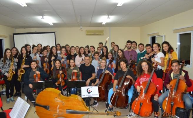 Genç yetenekler gençlik senfoni orkestrası burdur'da festivale katılıyor