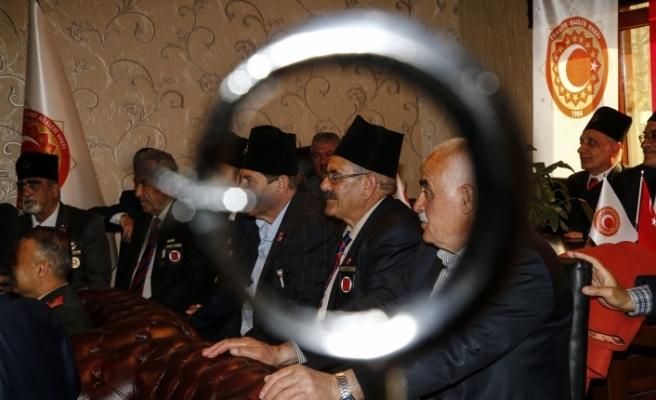 Kıbrıs gazileri madalyalarına 45 yıl sonra kavuştu