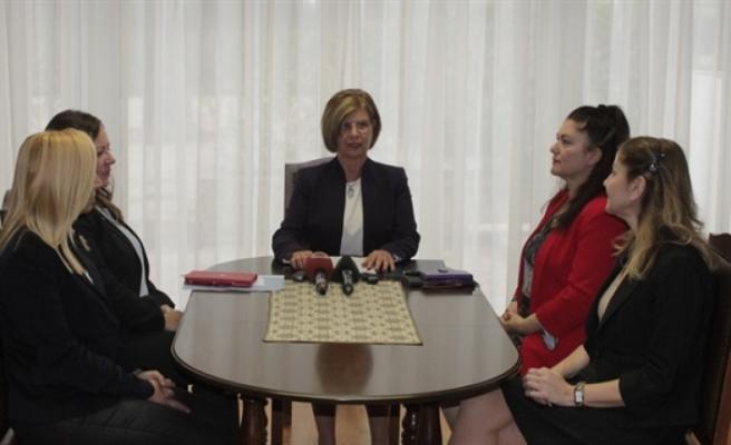 """""""Kıbrıs'ta Kadın Olarak Var Olabilmek"""" konulu çalıştayın sonuçları,  açıklandı"""