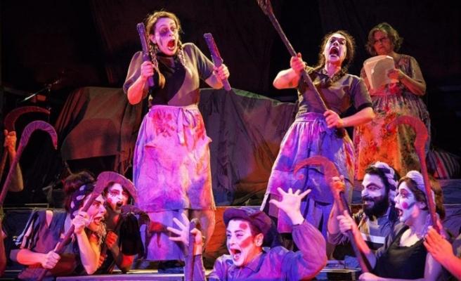 Lefkoşa Belediye Tiyatrosu'ndan bir güne iki oyun