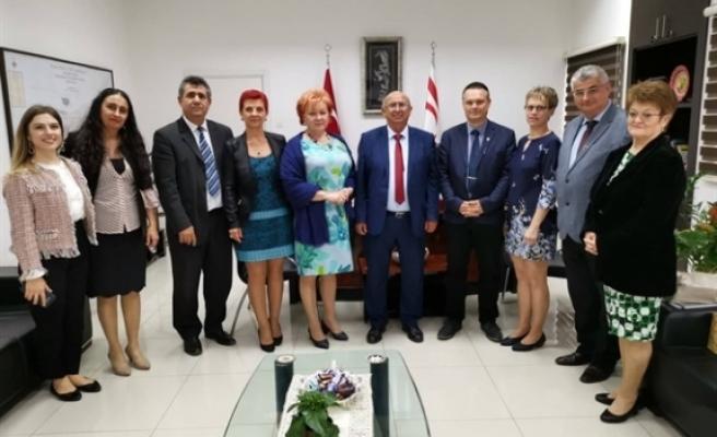 Macaristan'dan öğretmenler KKTC'de