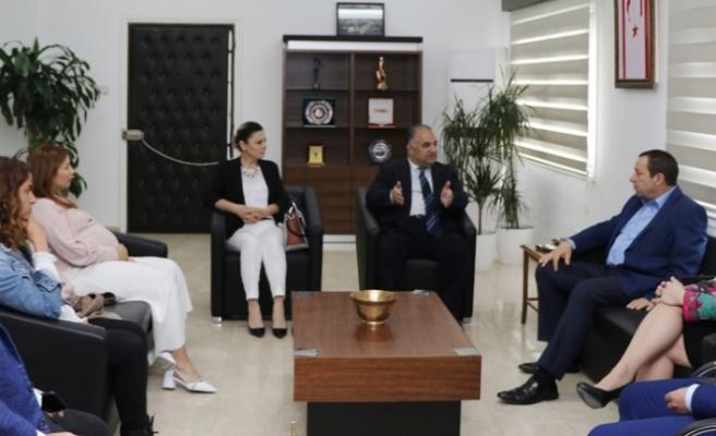 Maliye Bakanı Serdar Denktaş, Kıbrıs Türk Televizyoncular Birliği heyetiyle görüştü