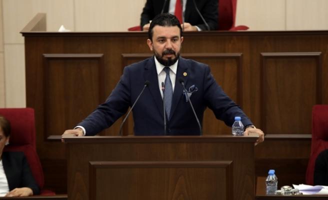 """""""Meclis koltukarı boş...Hükümet hassasiyet göstermeli"""""""
