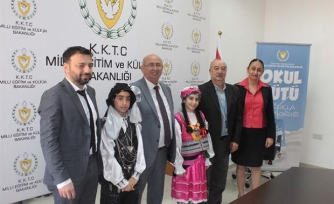 Özyiğit, 23 Nisan çocuk festivali konuklarından bir heyeti kabul etti