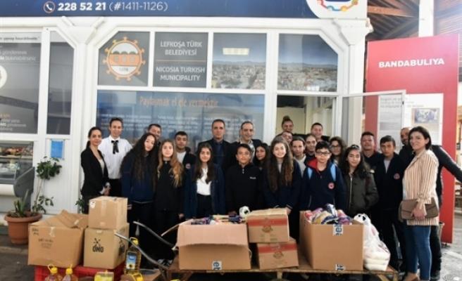 Şehit Turgut Ortaokulu öğrencileri, Paylaşım Mutfağına gıda desteğinde bulundu
