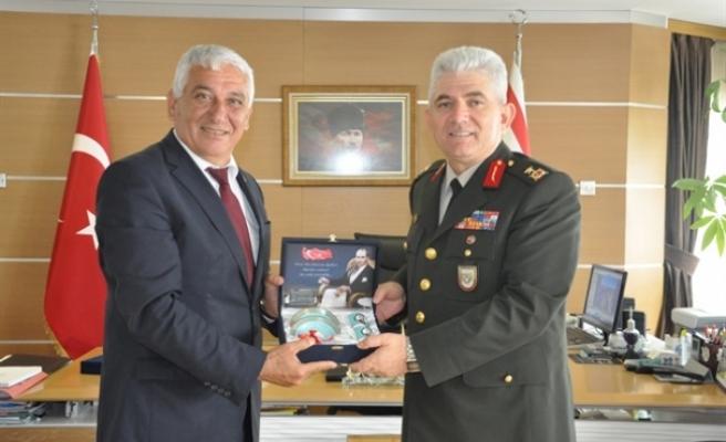 Tuğgeneral Kaya Özçınar'a nezaket ziyaretinde bulundu
