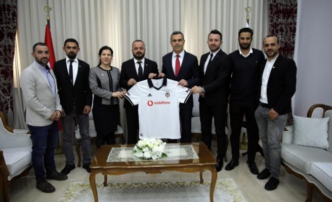 Uluçay, Beşiktaş taraftar derneği'nden bir heyeti kabul etti