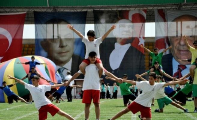 100'üncü yılında 19 Mayıs Atatürk'ü Anma Gençlik ve Spor Bayramı  etkinliklerle kutlanacak