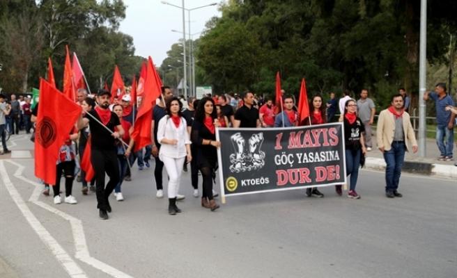 1 Mayıs işçi bayramı Kuğulu Park ve ara bölgedeki iki toplumlu etkinlikle kutlandı