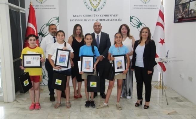 """""""23 Nisan ve Atatürk"""" konulu resim yarışmasının ödül töreni Bayındırlık Bakanlığı'nda yapıldı"""