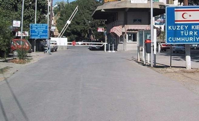 45 Suriyeli'nin Ledra Place'dan geçtiği iddiası