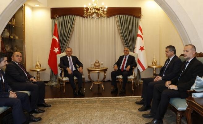 Akıncı ile Çavuşoğlu 45 dakika görüştü...Kıbrıs konusunda gelinen son durum değerlendirildi