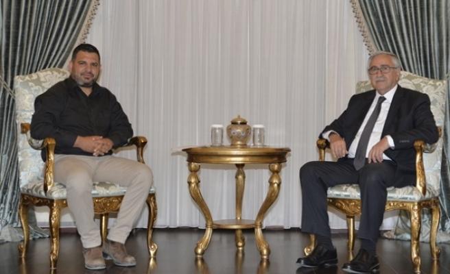 Cumhurbaşkanı Akıncı, Sarpten ve beraberindeki heyeti kabul ederek görüştü