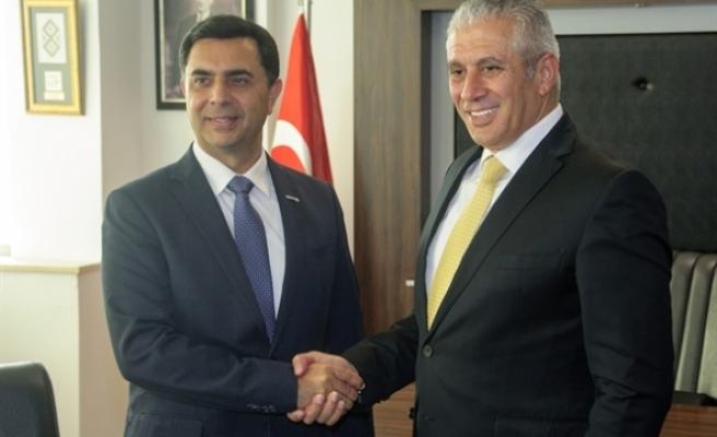 Eski bakan Özdil Nami, görevi Hasan Taçoy'a devretti