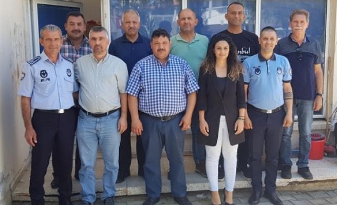 Gazimağusa Belediye Meclisi üyesi ırkad ile YKP heyeti Mağusa Türk Genel İş Sendikası'nı ziyaret etti