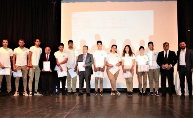 """""""Genç Yaklaşım Sosyal Sorumluluk Projesi"""" Ödül Töreni, Bakan Cemal Özyiğit'in katılımıyla gerçekleştirildi"""