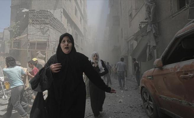 İdlib yoğun hava saldırıları altında