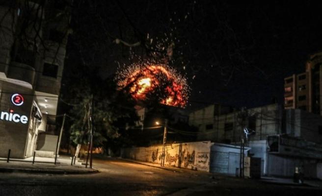 İsrail ordusu, Anadolu Ajansının olduğu binayı vurdu