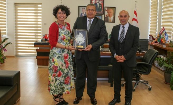 İzmir Büyükşehir Belediye Başkanı Soyer'den Gazimağusa Belediyesi'ne ziyaret