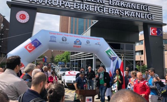 Kuzey Kıbrıs Klasik Ve Spor Otomobil Kulübü,Atatürk'ün Samsun'a çıkışının 100. yılı için düzenlenen etkinliklere katıldı