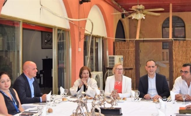 LTB Başkanı Harmancı ile Güney Lefkoşa Belediye başkanı Yorgacis bir araya geldi