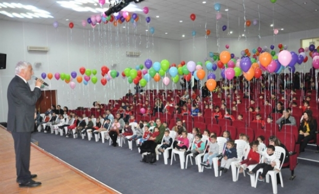 Mahmut Özçınar, 1 Haziran Dünya Çocuk Günü'nü kutladı