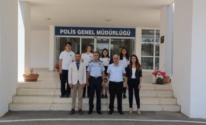 Manavoğlu, 20 Temmuz Fen Lisesi öğrencilerini kabul etti