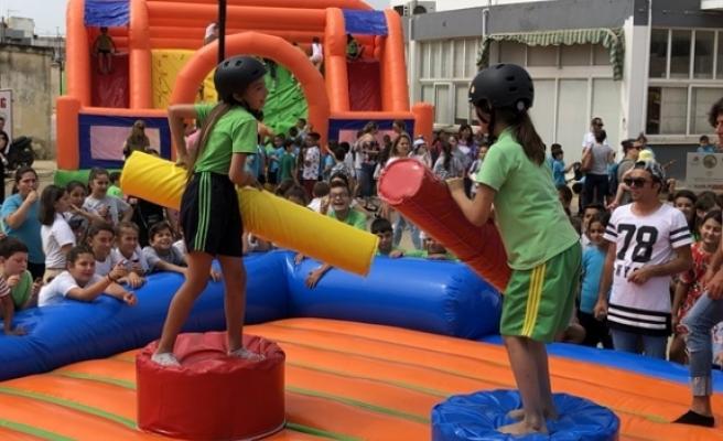 Mehmetçik Belediyesi, 1 Haziran Dünya Çocuk Günü nedeniyle şenlik düzenledi
