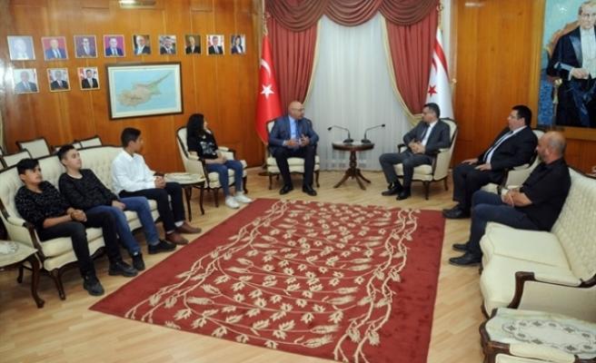 Mehmetçik Çocuk Belediyesi heyeti Başbakanlık'ta