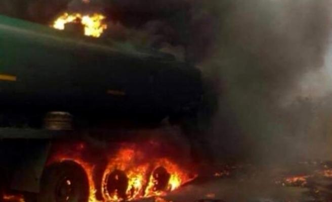 Nijerya'da  yakıt tankeri patladı 55 kişi hayatını kaybetti