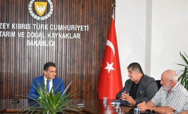 Oğuz, Kıbrıs Türk Hayvan Üreticilerive YetiştiricileriBirliği yetkilileriyle görüştü